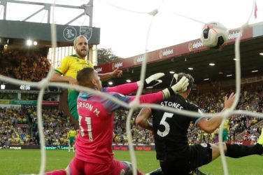 Teemu Pukki scores for Norwich against Man City.