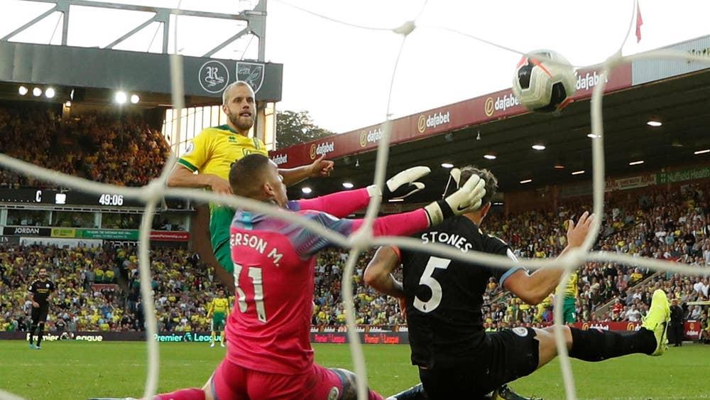 Teemu Pukki scores for Norwich against Man City.